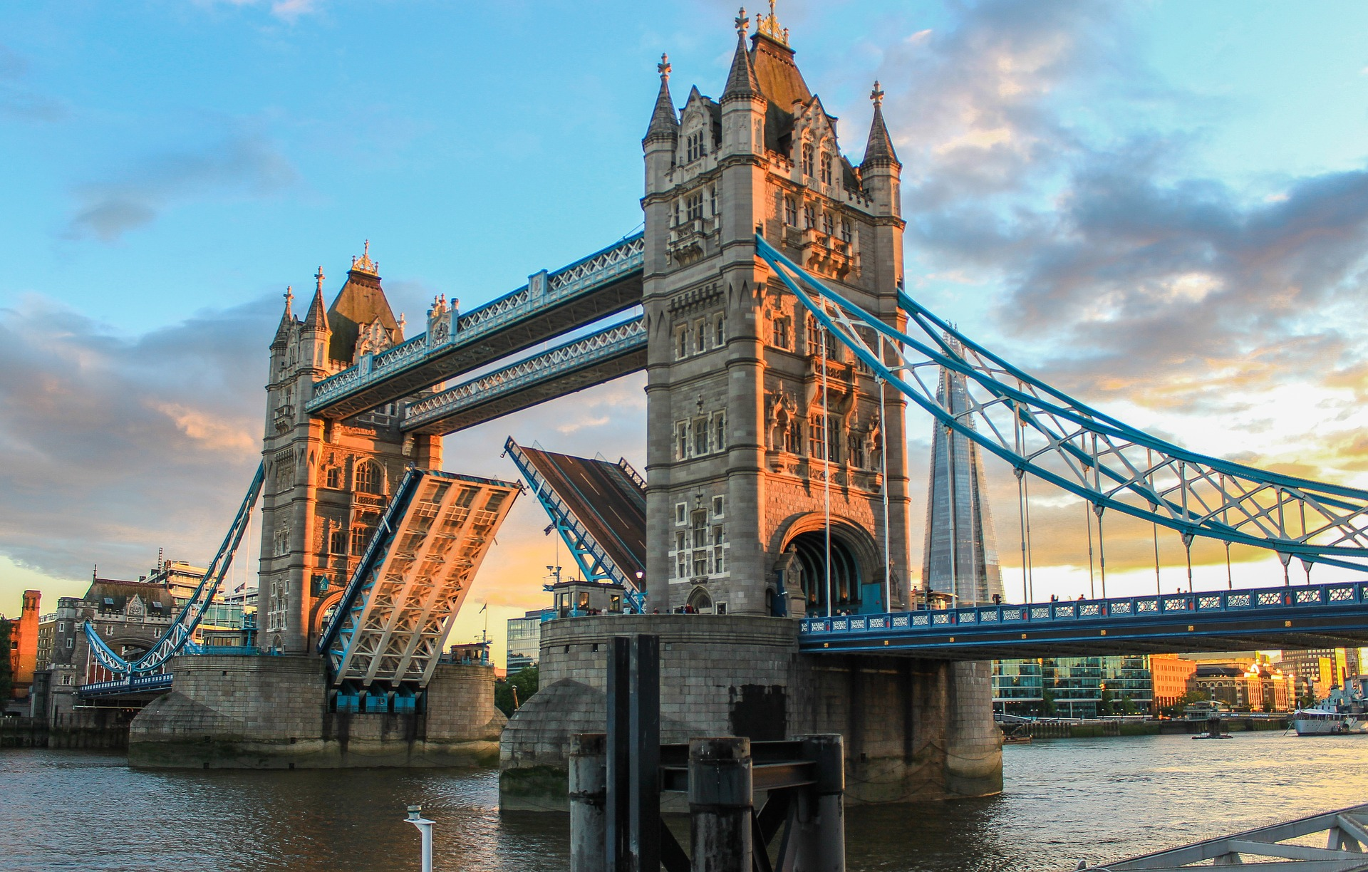 tower-bridge-980961_1920